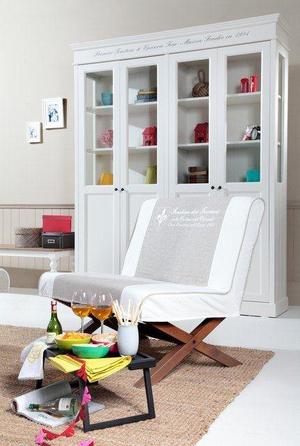 stilvolle landhausm bel aus massivholz. Black Bedroom Furniture Sets. Home Design Ideas